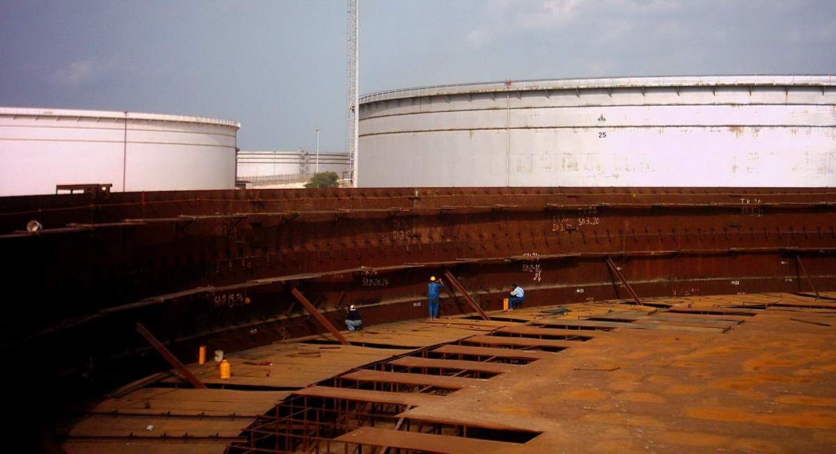 Oil Storage Tanks Overhaul